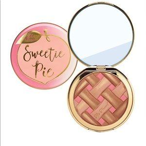 Too faced sweetie pie
